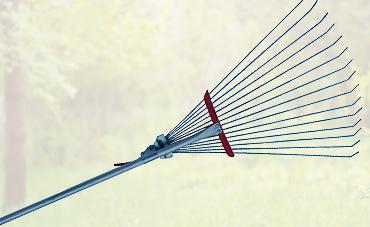 В линейке «Форсаж» пополнение – грабли раздвижные металлические на алюминиевом черенке.
